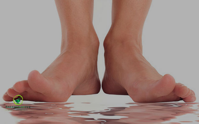 como eliminar el sudor en los pies