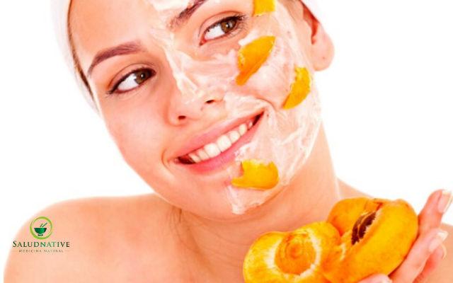 durazno y yogurt para piel seca al rededor de los ojos