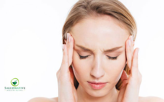 causas de las punzadas en la cabeza parte superior