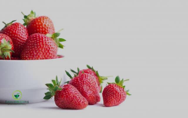 fresas y frutas citricas