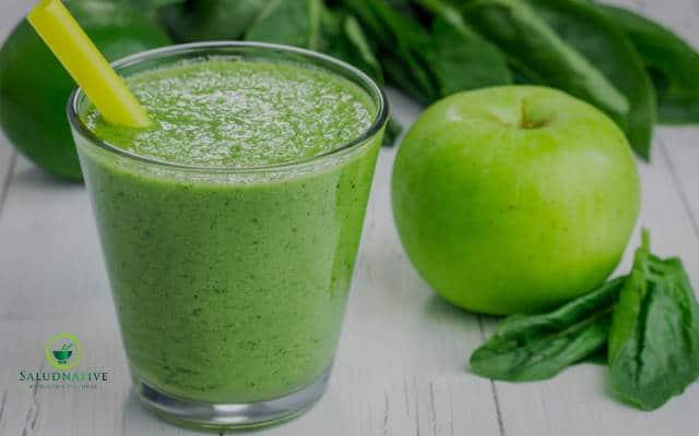 jugo de manzana y espinaca para bajar el colesterol