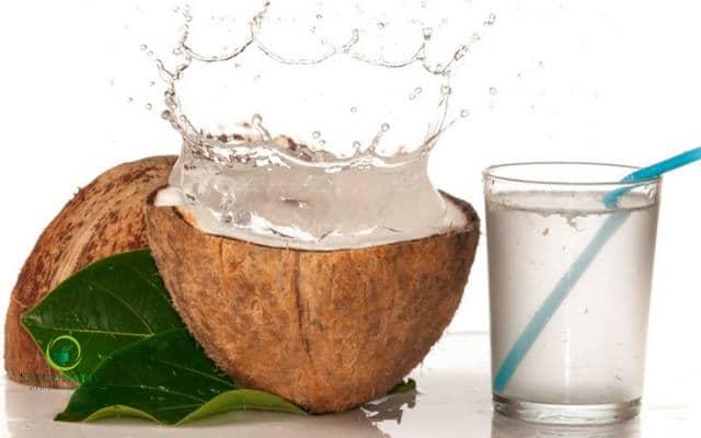agua de coco con jugo de limon