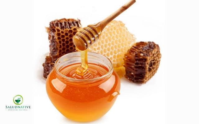 miel de abeja para la fertilidad en la mujer